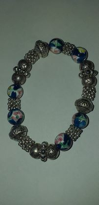 Picture of Blue and sliver coloured bead bracelet