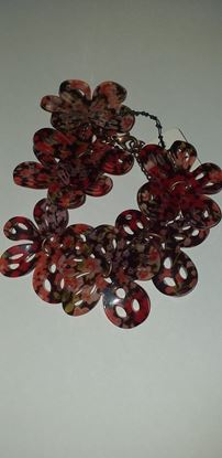 Picture of Red flower bracelet